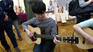 ギタリスト矢後憲太さん! 沖田ギターを愛用して頂きありがとうございます。