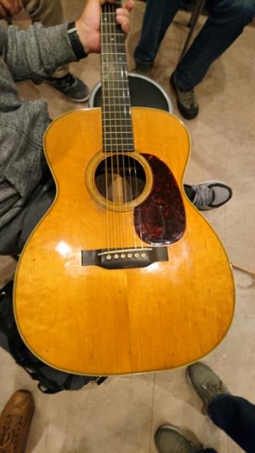 MARTIN OM-28(1931)を弾かせて貰いました!