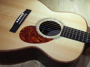ギター好きな方、少しでも興味のある方、集合‼︎‼︎